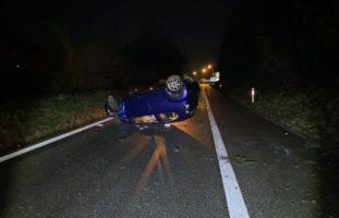 A6 Münchenbuchsee BE - Selbstunfall: Auto kommt von Fahrbahn ab und überschlägt sich