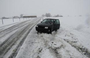 Diverse Unfälle und Verkehrsbehinderungen auf Glarner Strasse