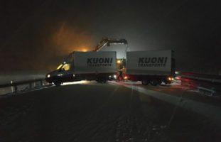 A3: Zwei Unfälle infolge schneebedeckter Fahrbahn