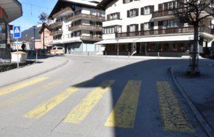 Unfall zwischen Auto und zwei Fussgängerinnen in Klosters GR