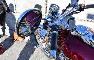 Chur: Motorradlenkerin von Auto angefahren