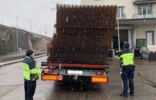 Basel - 25 Tonnen Armierungseisen verrutscht