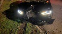 Unfall Döttingen AG - 22-Jähriger verliert Kontrolle über Auto