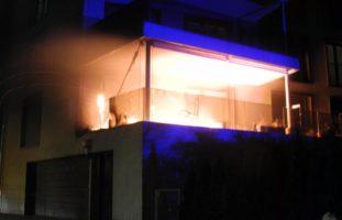 Ibach SZ: Brand auf Balkon