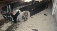 Glarus GL: Autolenker (19) crasht bei Drift-Manöver in Mauer