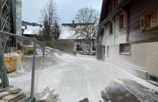 Walchwil: Vier Tonnen Gipspulver auf Hausfassaden, Autos und Strassen