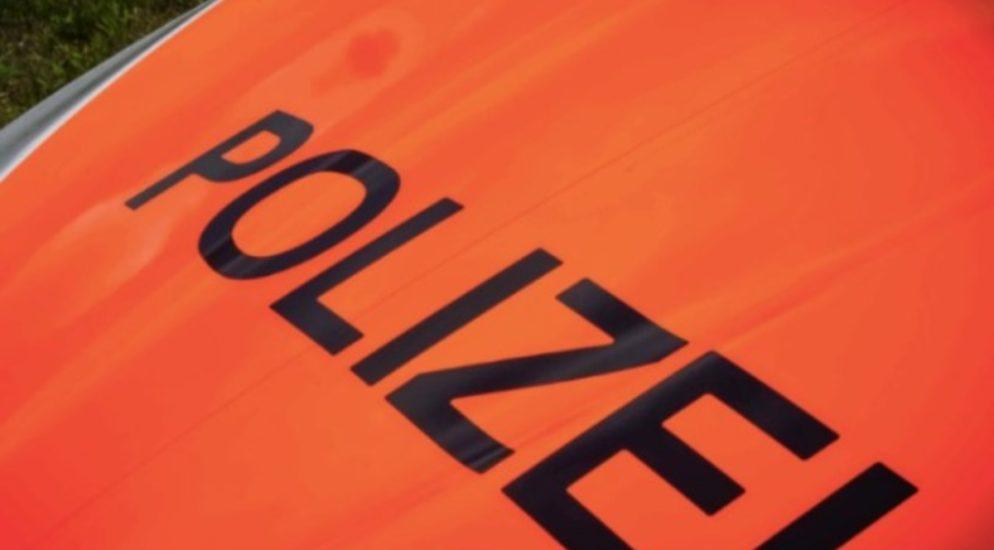 Basel - Verkehrsunfall zwischen Van und Auto