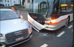 Schattdorf UR - Audi kracht in Linienbus