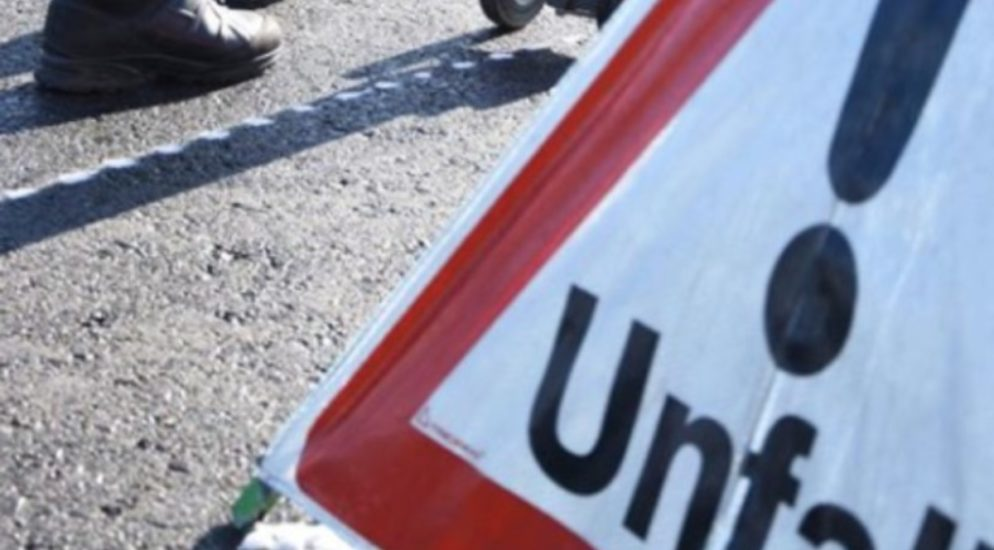 Sisikon UR - Ein Verletzter bei Verkehrsunfall auf der Axenstrasse