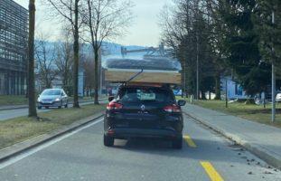 Rotkreuz: Komplettes Bett auf Autodach transportierte!