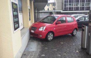 Altdorf: Bei Selbstunfall in Hausmauer gekracht