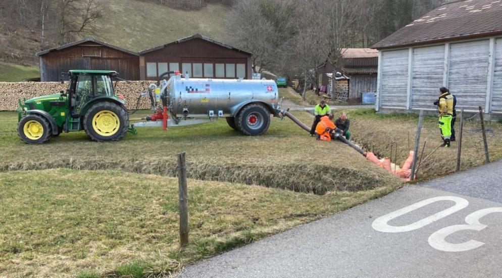 Oberurnen: 30 Kubikmeter Gülle in Bach geflossen