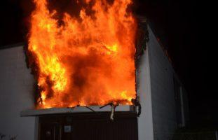Zwei Verletzte nach Brand in Einfamilienhaus