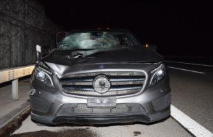 """""""Passant"""" auf der A1 von Auto erfasst und schwer verletzt"""