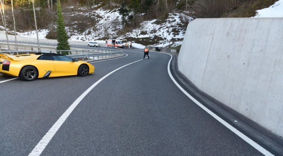 Beinwil: 24-jähriger Lamborghini-Fahrer baut Unfall