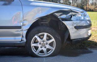 Heftiger Crash zwischen zwei Autos in Eschenbach
