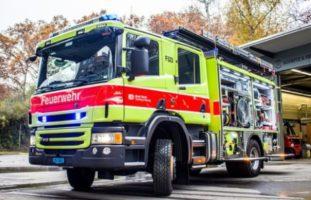 Feuerwehr rückt wegen Mottfeuer in Entsorgungsstelle Lachen SZ aus