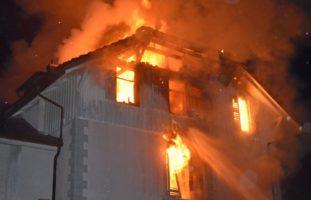 Pfeffikon LU - Erneuter Brand in Mehrfamilienhaus