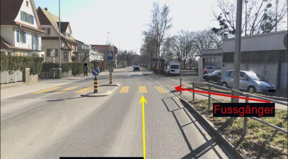 Schaffhausen: 4-jähriger Junge läuft in fahrendes Auto