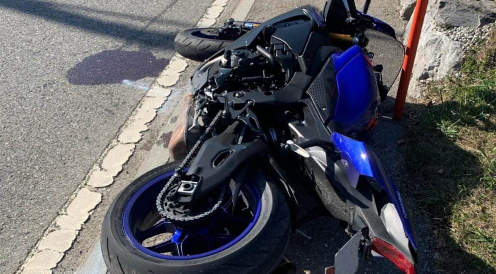 Urnäsch: Motorradlenker zieht sich schwere Beinverletzungen zu