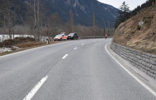 Waltensburg/Vuorz: Mit Hirschtier kollidiert