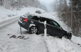 Verkehrsunfall in Eggerstanden AI
