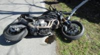 Motorradlenker nach Selbstunfall in Mollis verletzt