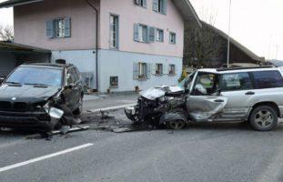 Ettiswil LU: Heftiger Verkehrsunfall zwischen zwei PW