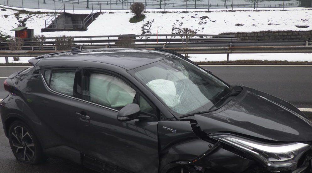 Silenen UR - Lenker prallt in Tunnelmauer und wird erheblich verletzt