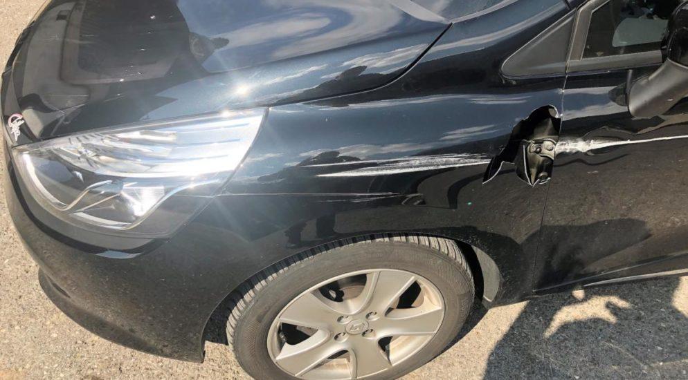 Verkehrsunfall in Glarus - Kollision zwischen Lieferwagen und PW