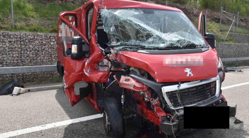 Gunzgen SO - Lieferwagen auf der A1 verunfallt