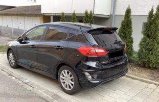 Unbekannter Fahrer beschädigt in Schaffhausen SH parkierte Autos