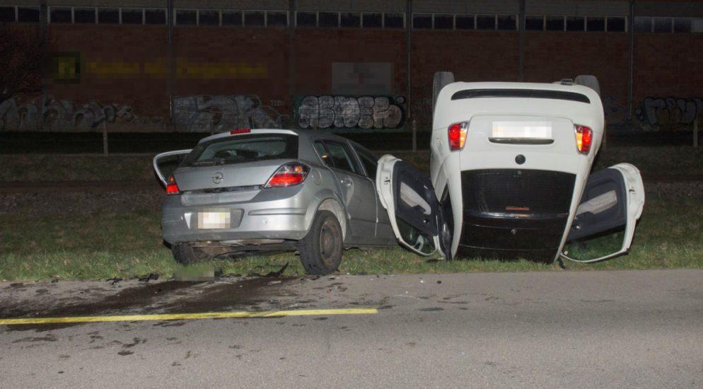 Schlatt TG: Beifahrerin (18) bei Verkehrsunfall schwer verletzt