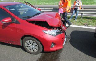 Auffahrunfall zwischen drei Autos auf der A3 bei Benken