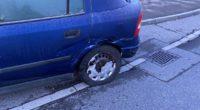 Bei Verkehrsunfall in Reinach mit abbiegendem Auto kollidiert