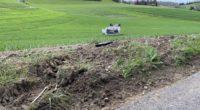 Uerkheim AG - Drei Insassen bei Autounfall verletzt