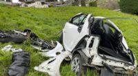 Weggis LU - Auto überschlägt sich mehrmals