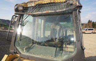 Mann bei Bagger-Unfall in Dreien SG schwer verletzt