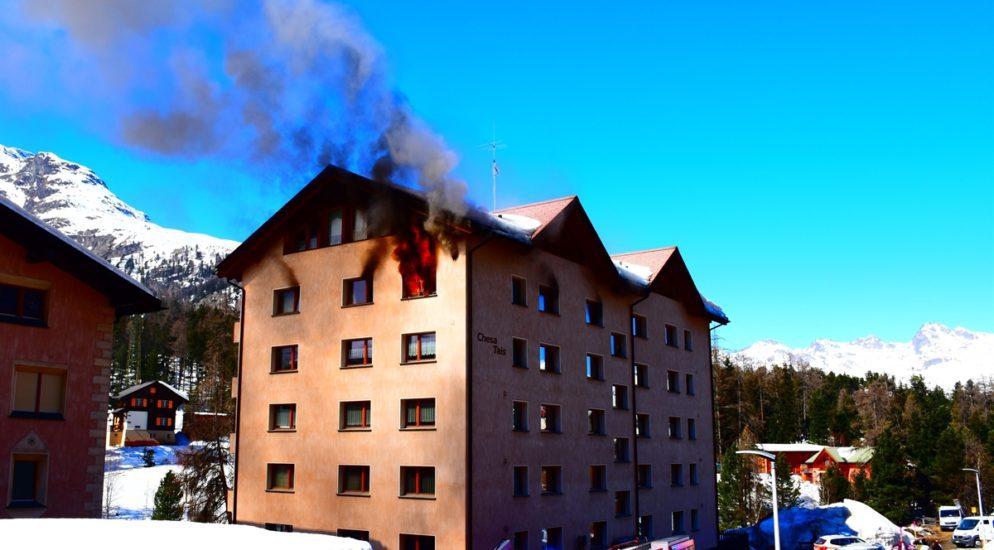 Pontresina: Feuer in Mehrfamilienhaus ausgebrochen