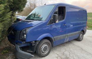Ehrendingen: Lieferwagenlenker verursacht einen Selbstunfall