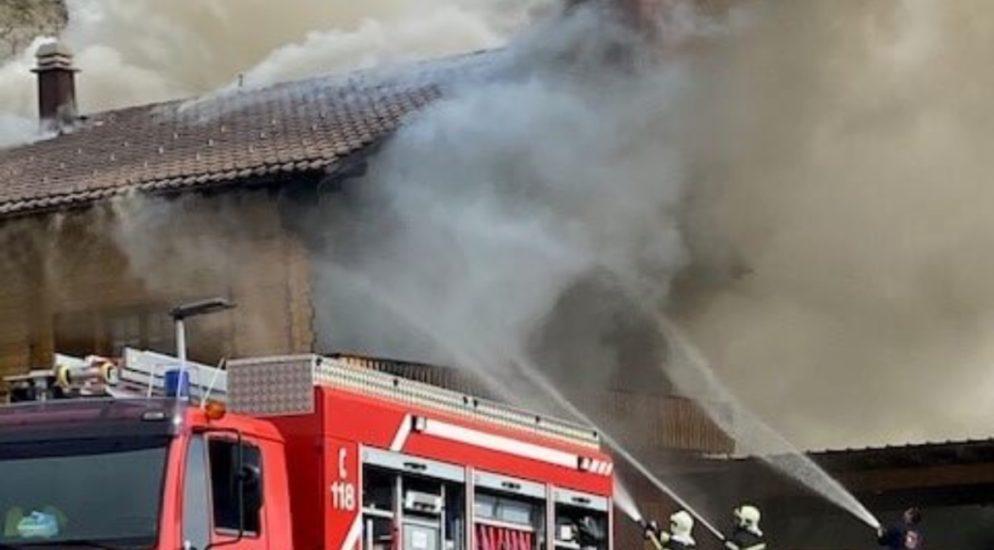 Premploz (Conthey) VS: Erheblicher Sachschaden nach Chalet-Brand