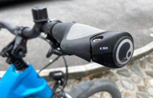 Näfels GL - Kollision zwischen E-Bike-Fahrerin und Auto