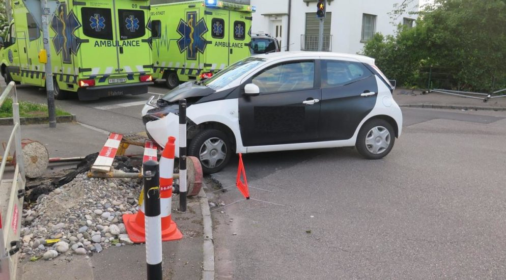 Zwei Verletzte bei Crash in Allschwil BL