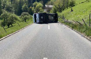Unterkulm AG: Camper-Fahrer nach Unfall ins Spital gebracht