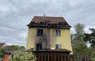 Brände Aarau AG: E-Bike und Schopf fangen Feuer