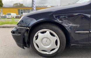 Unfall Rheinfelden AG: Mit anderem Auto kollidiert und abgehauen