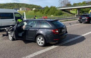 A1, Westaargau: Mehrere heftige Unfälle im Feierabendverkehr