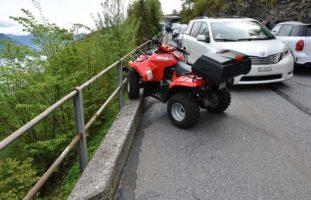 Emmetten NW - Verkehrsunfall zwischen Quad und Auto