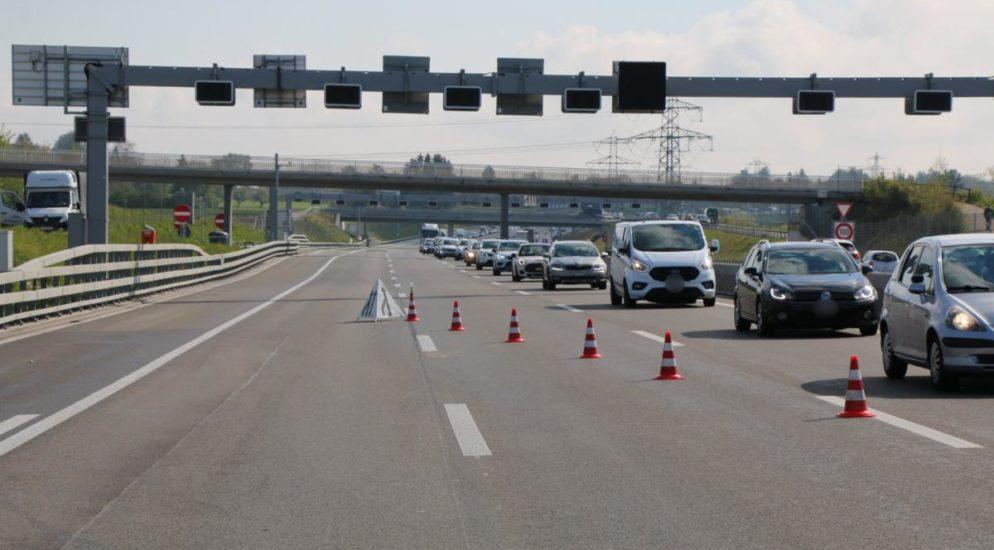 Zürich: Verkehrsunfall auf der A1 führt zu langem Rückstau