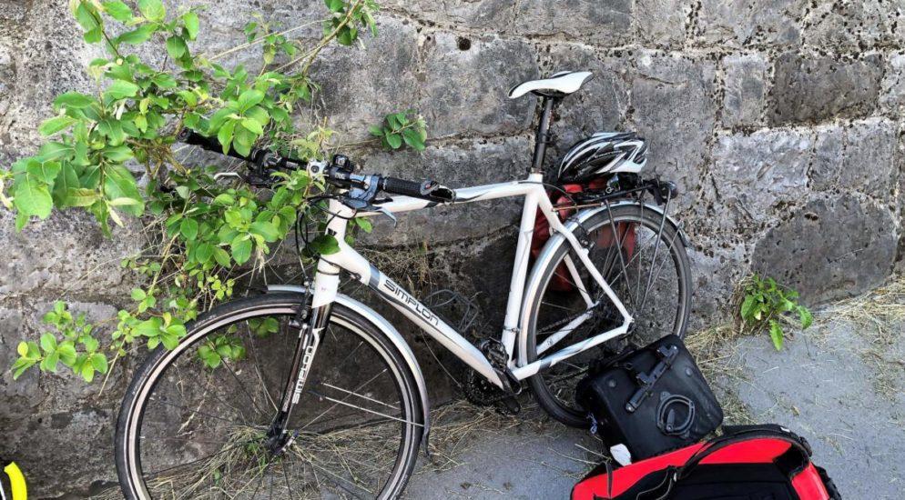 Glarus - Fahrradfahrer bei Verkehrsunfall verletzt